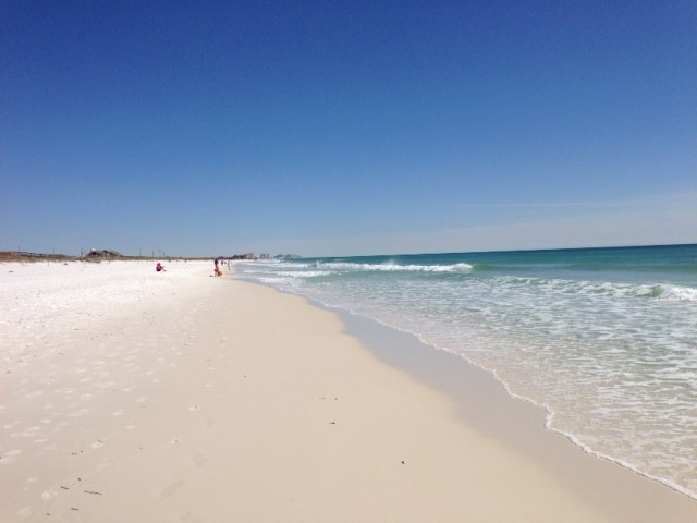 Long stretch of beach in Destin